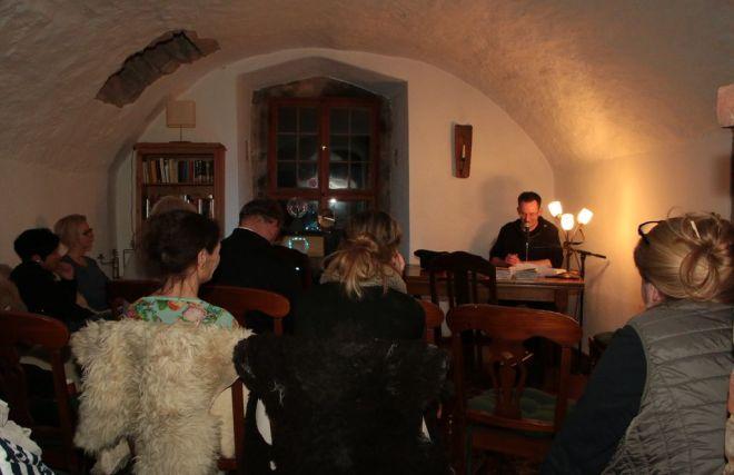 Foto von der Premierenlesung in Hundisburg.